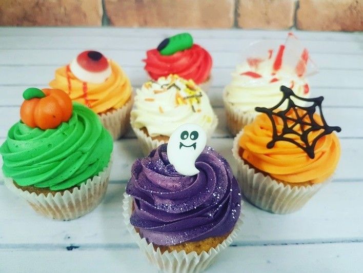 Family Cakes Halloween Treats