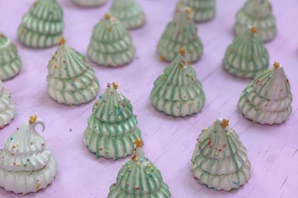 Meringue Girls christmas tree meringues