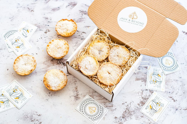 Box of mince pies