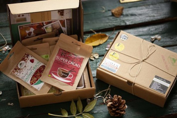 Carboard boxes filled with superfood pouches